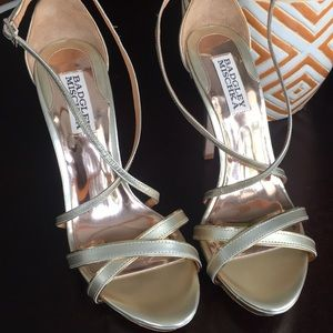 Badgley Mischka gold  size 7